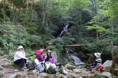 滋賀県・八つ淵の滝トレッキング?