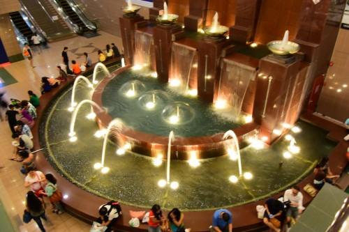 シンガポール風水ツアー? 義安城(高島屋)噴水